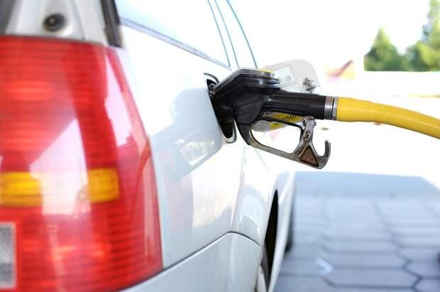Российские нефтяники начали продавать бензин в убыток