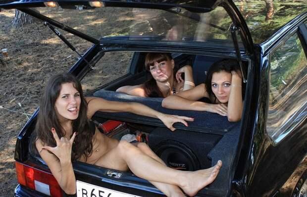Девушки, которые еще ведутся на Жигули