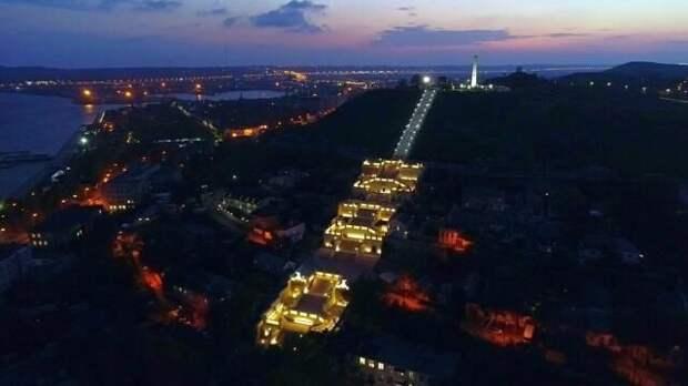 Порядка 15 тысяч человек примут участие в факельном шествии в Керчи