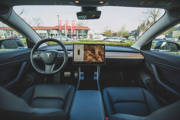 В 2025 году в России может появиться запрещающий знак для беспилотных авто