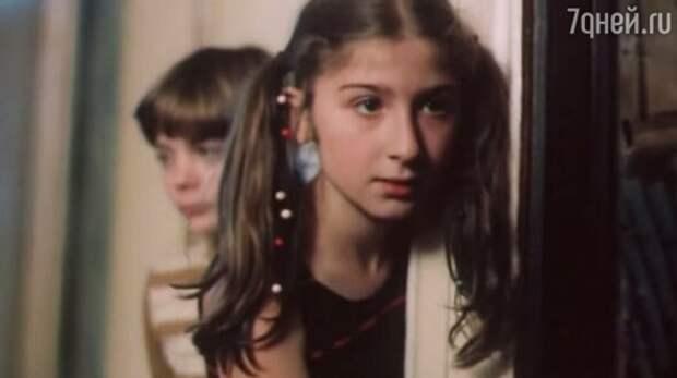 Депутат, ученый и пиарщица: кем стали актеры из фильма «Гостья из будущего»