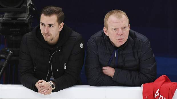 Хореограф Тутберидзе Глейхенгауз повторил за Медведевой и ест сверчков