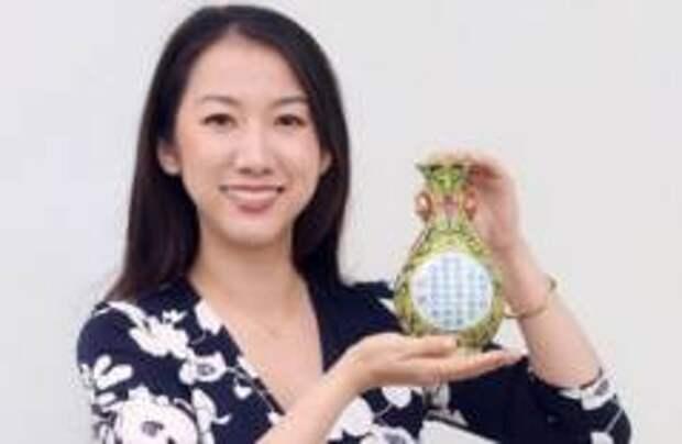 Британец случайно купил на распродаже вазу китайского императора