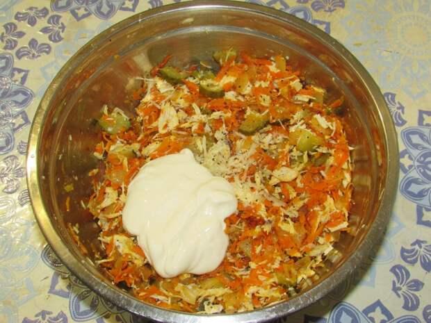 Забытый советский рецепт салата, который мама всегда готовила на новогодний стол!