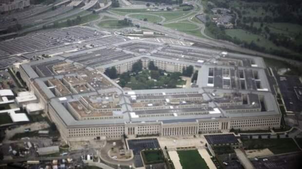 Экс-министры обороны США осудили идею введения военного положения встране