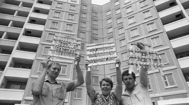 Почему при Брежневе все жили хорошо