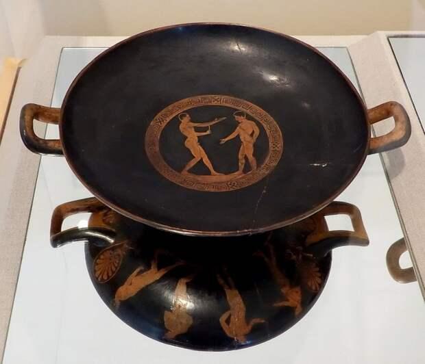 тарелка в музее оливок