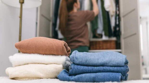 Как хранить теплую одежду: 7 идей для тех, у кого мало места в шкафу