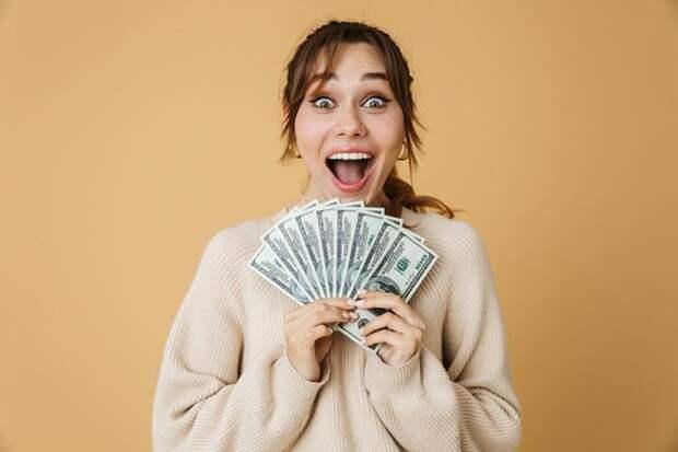 Финансовый гороскоп на ноябрь: время больших денег, возможностей и риска