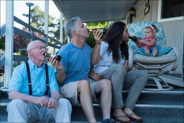 """5. Дети """"кормят"""" отцов забавно, отцы, папы, подборка, приколы, смешно, фото, юмор"""