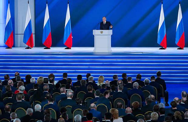Дороги, кредиты, налоги: основные тезисы экономической части послания Путина