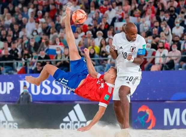 Россия - трехкратный чемпион мира! После триллера в полуфинальном матче со Швейцарией команда Михаила Лихачева уверенно обыграла японцев и стала трехкратным чемпионом мира!