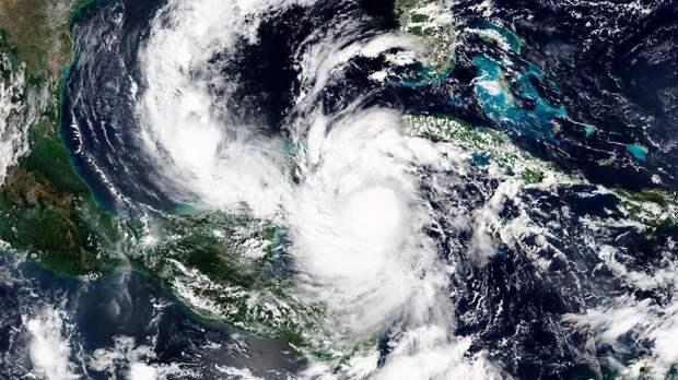 Сезон ураганов в США: чего ждут в этом году и как меняется глобальный климат