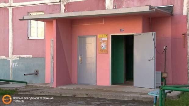На Ямале увеличили размер штрафа за расклейку объявлений, где вздумается