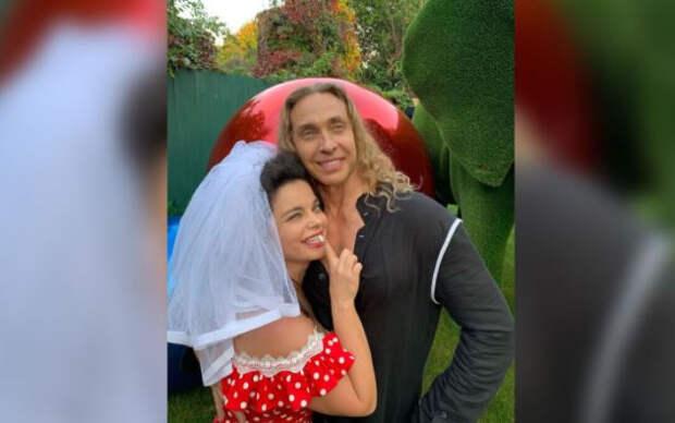 Наташа Королева рассказала, что помогло ей спасти брак с Тарзаном