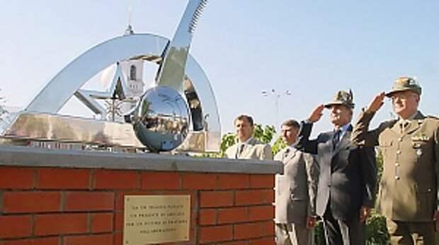 Кто поставил памятник фашистам в России?!