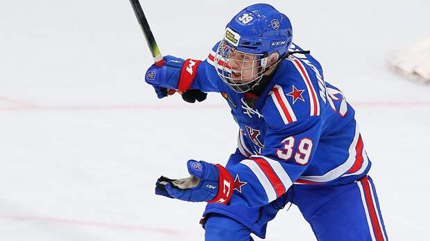 В России растет большая звезда. Мичков уже в 15 лет — лучший в МХЛ, но играть в КХЛ ему запрещает закон