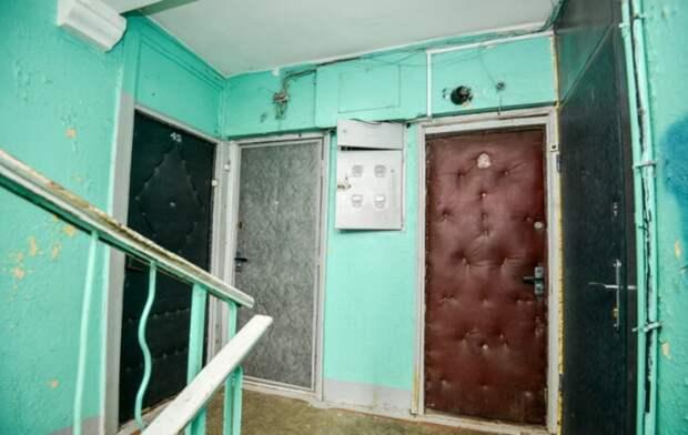 Для чего советские люди обивали входные двери дерматином