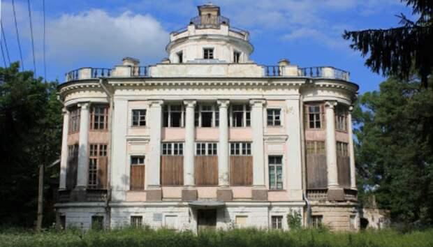 В Ленобласти разрешили арендовать исторические объекты за рубль