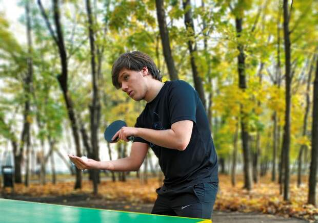 Старшеклассник школы «Лидер» выиграл городской турнир по настольному теннису