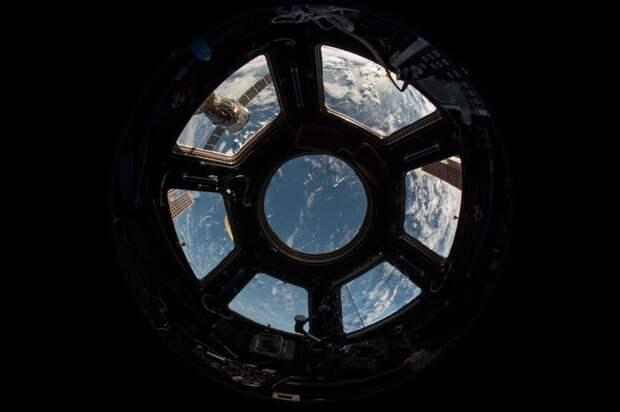 Сирена разбудила экипаж МКС из-за сбоя в системе управления «Звезды»