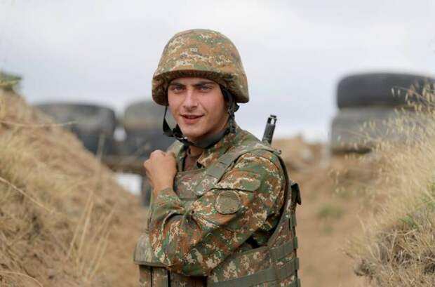 Стоит ли России вмешиваться в военном плане в карабахский конфликт и какова цена невмешательства: рассуждения и факты