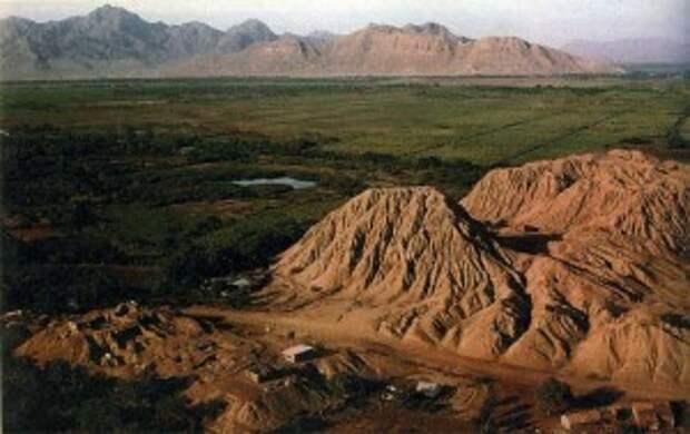 Священные холмы Уакас, или Сипан
