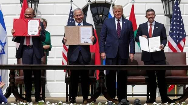 Трамп анонсирует соглашения с Израилем еще «семи-девяти» стран