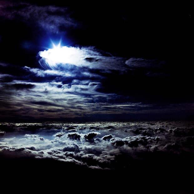 Над землей: изумительные виды свершины Фудзиямы