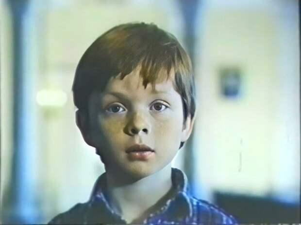 """Кадр из первого фильма где Саша сыграл главную роль, """"Год хорошего ребёнка"""""""