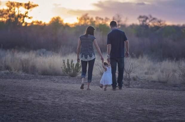 Психолог центра в Алтуфьеве порекомендовал родителям не отпускать детей младше семи лет одних на улицу