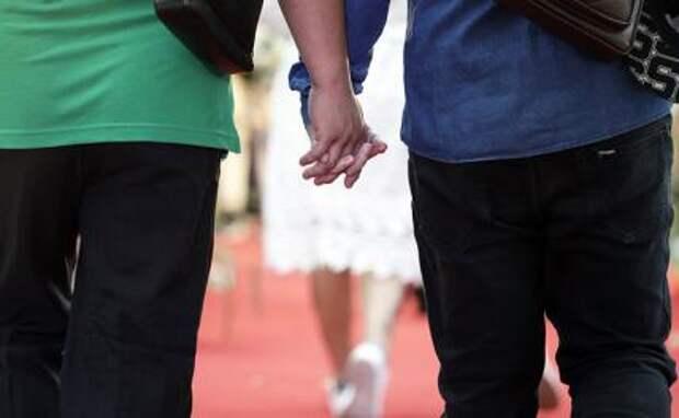 """С Запада наступает новая мировая мораль: уроки секса на уроках и """"голубые"""" хористы"""