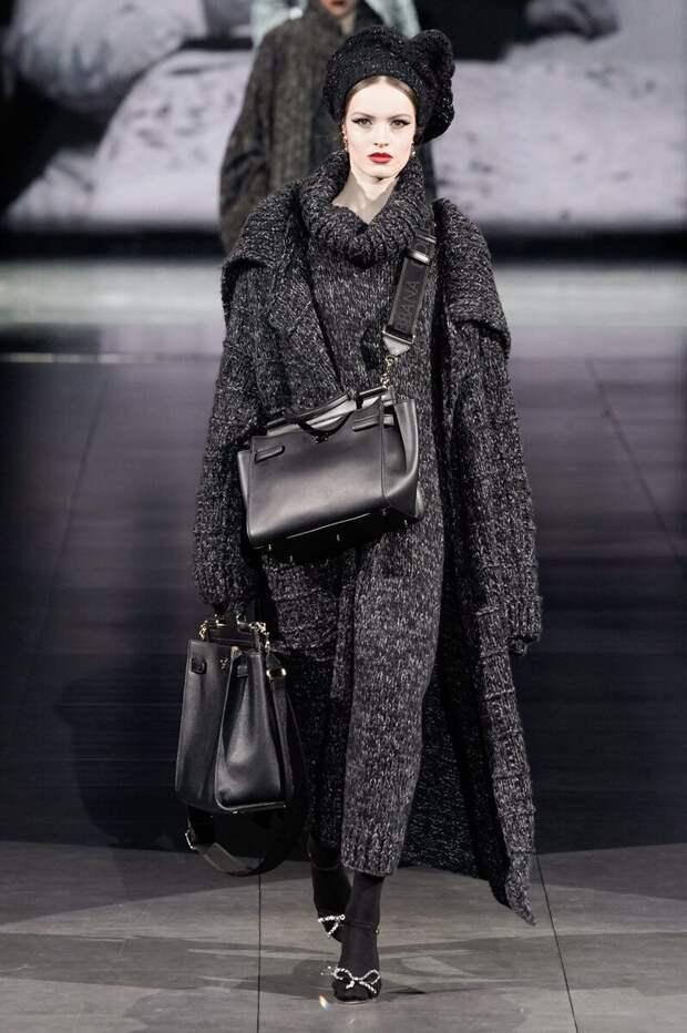 Dolce&Gabbana исполнили мечту вязальщиц- они связали всё!