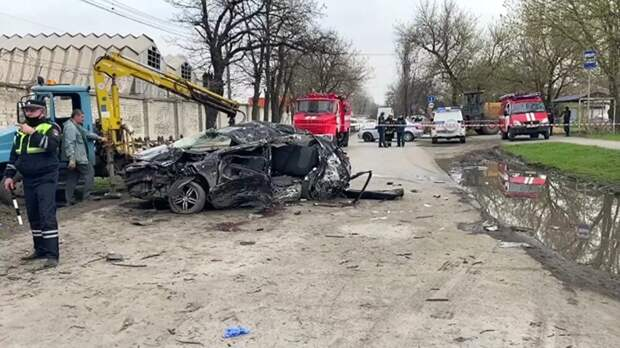 В Новочеркасске 20 апреля объявят траур по погибшим в ДТП подросткам
