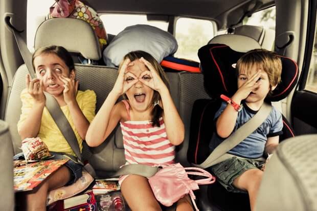 Как выглядят путешествия с детьми)))