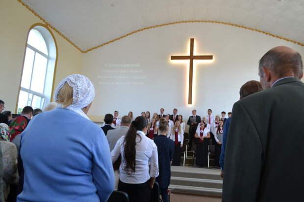Кто такие баптисты, что они проповедуют и чем занимаются