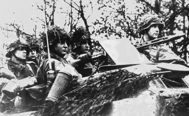 На фото: молодые солдаты Вермахта в ожидании боевого приказа