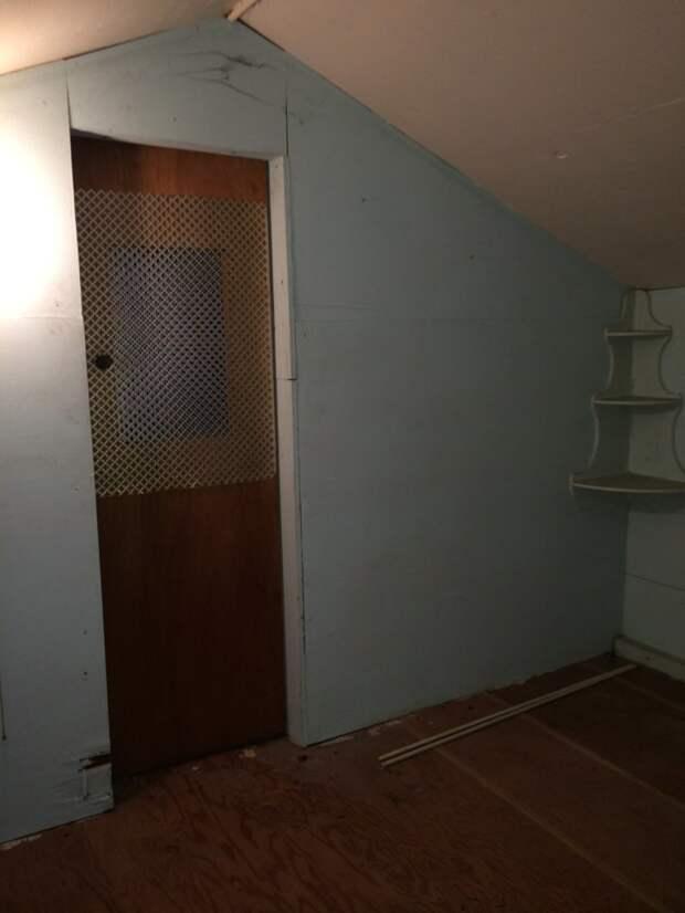 Угловой стеллаж дом, загадка, комната, находка, странность, фотография, чердак