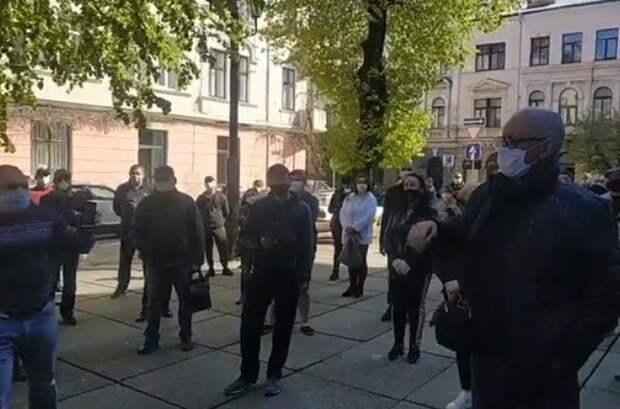 В Черновцах бунтуют предприниматели: власти Украины разваливают местный бизнес