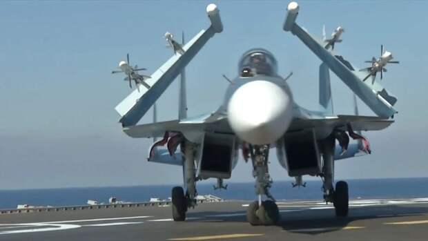 """На """"наземном авианосце"""" в Крыму впервые подготовят летчиков двух авиаполков"""