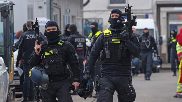 Полиция вместе с народом: вся Италия вышла на улицу, бастуя против террора пандемии