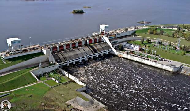 Латвия поддерживает санкции США против России, но из-за этого работа латвийской ГЭС под угрозой