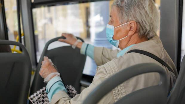 Пожилые москвичи могут вернуться к самоизоляции из‑за коронавируса