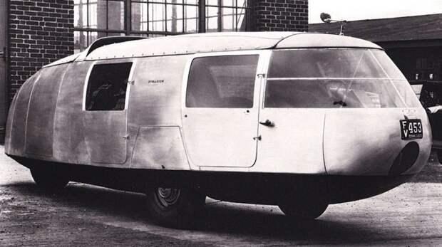 Первый образец трехколесного шестиметрового транспортного средства Dymaxion. 1933 год авто, автодизайн, автомобили, дизайн, интересные автомобили, минивэн, ретро авто