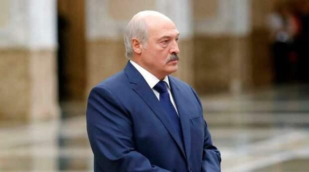 Александр Лукашенко: и нашим, и вашим.