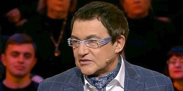 «В Крым я не езжу!»: Дибров на вопрос журналистов о принадлежности полуострова юлил как мог