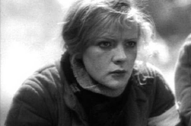 36 лет назад звезду фильма «Свадьба в Малиновке» нашли мертвой в собственной квартире. Убийство не раскрыто до сих пор…