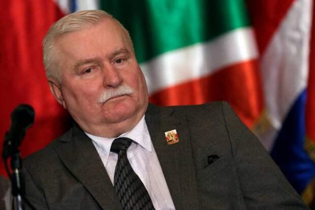Валенса: Поляки выбили советскому медведю зубы