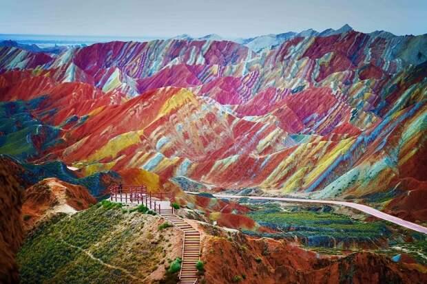 Пёстрые горы Китая, включённые в список ЮНЕСКО