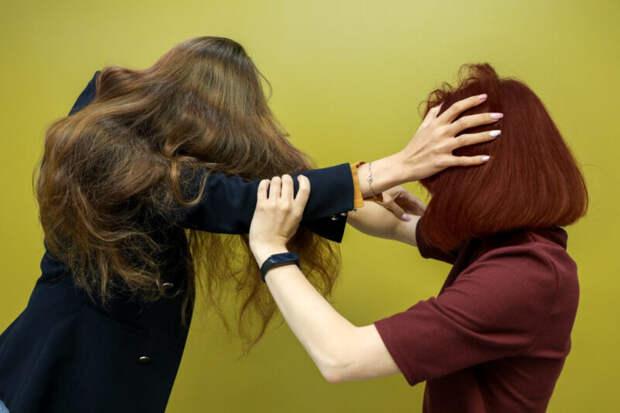 Россиянка задушила подругу трусиками, обидевшись на«разведенку»